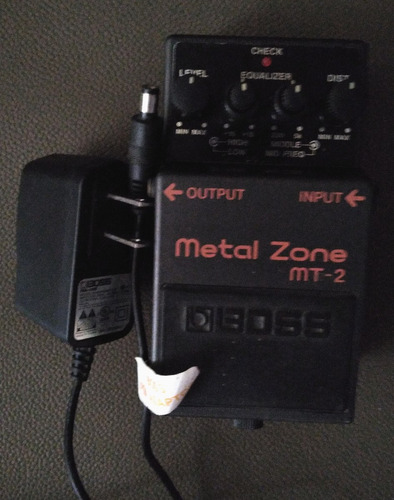 pedal boss metal zone mt-2, con adaptador de corriente boss