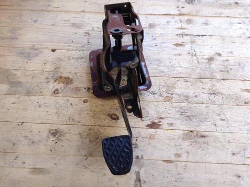 pedal de freno y base nissan march mod 12-14 original
