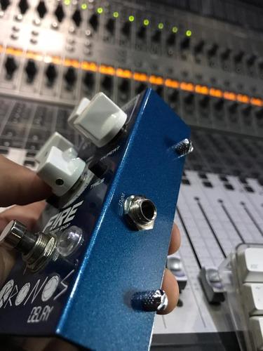 pedal de guitarra - kronos delay - fire
