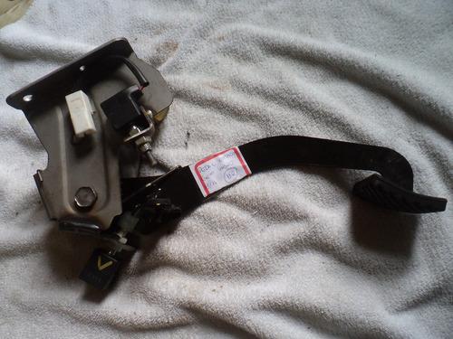 pedal embreagem hyundai hb20 1.6 2014 original c/ 2 sensores