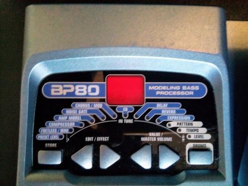 pedal multiefectos para bajo.