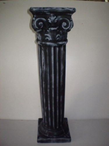 pedestales romanos altos en hormigon