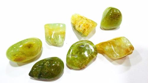 pedra /mineral p/ coleção - granada verde rolada natural