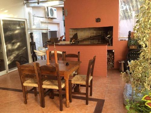 pedragosa sierra, excelente esquina en el corazón gastronómico, ideal para comercio del rubro