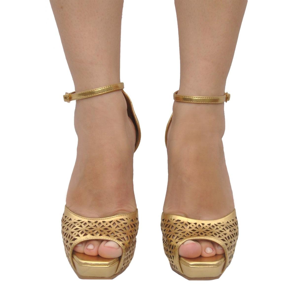 c7746417d sandália feminina peep toe plataforma dourada festa miucha. Carregando  zoom... peep toe plataforma miucha. Carregando zoom.