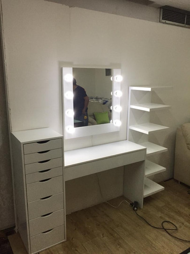 peinadoras de maquillaje / makeup room