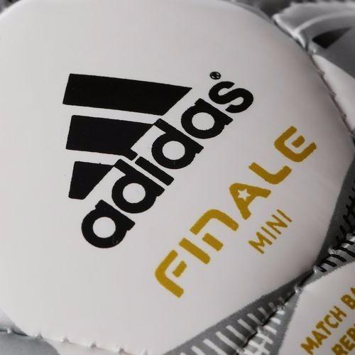 f9fec0a7fe5c8 Pelota De Futbol adidas Nº1 Real Madrid Champions Mini -   399
