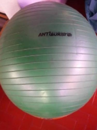 pelota de hacer ejercicio.