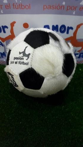 pelota retro de cuero con pelo de vaca