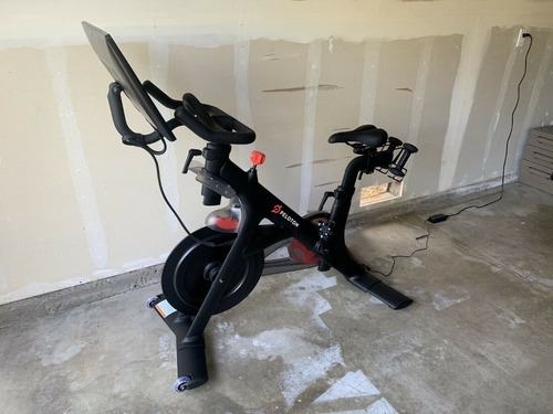 pelotón de bicicleta de ejercicio indoor peloton
