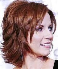 peluca corta castaño rojizo natural  diversos colores