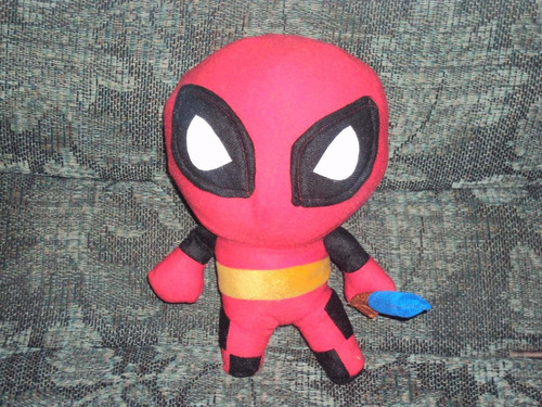 peluche de hulk batman deadpool mickey pikacho superman