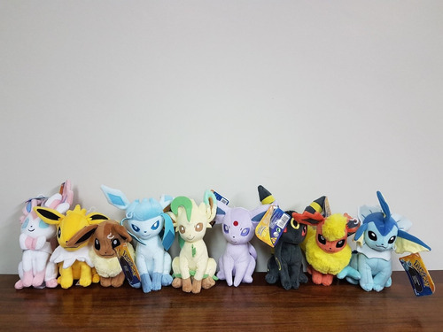 peluches pokemon pikachu eevee originales tomy varios modelo