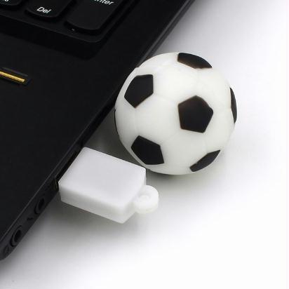 Pen Drive Bola De Futebol Frete Gratis - R  300 d8420cef9716d