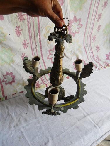 pendente em metal com 3 lampadas para decoração