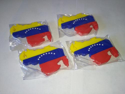 pendrive 16 gb sandisk, con forma de venezuela.