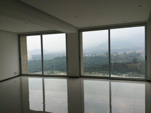 peninsula con balcón y vista.