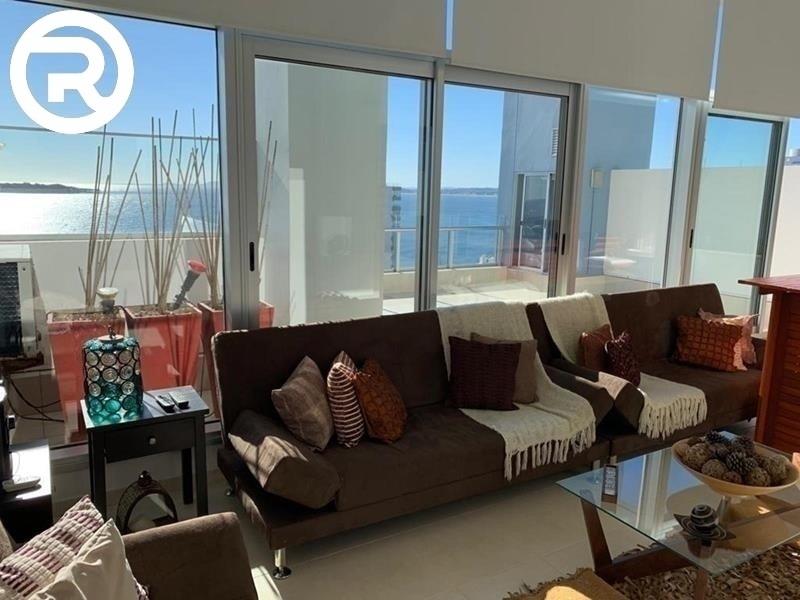 pent-house duplex, con excelente vista frente a la mansa