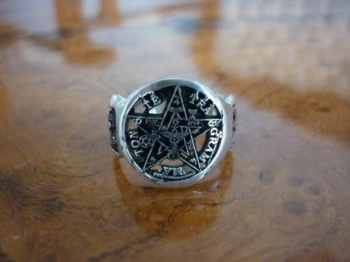 pentagrama masonico en anillo finamente terminado en plata