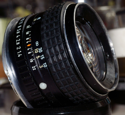 pentax m 50mm 1.4  con montura canon ef