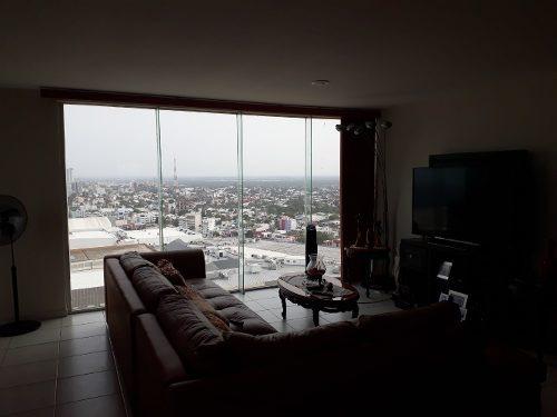 penthouse amueblado con espectacular vista al mar