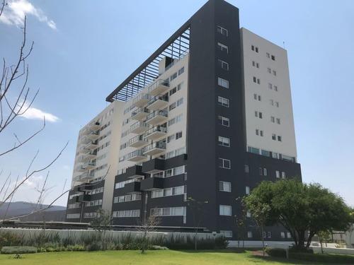 penthouse amueblado de 2 hab y hall de tv en life juriquilla