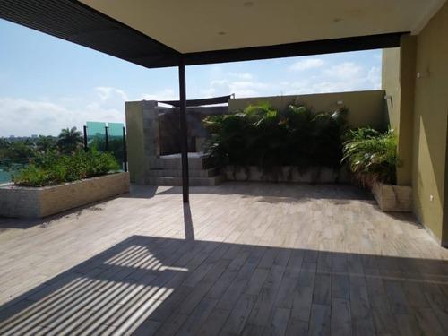 penthouse con excelnete ubicación en zona exclusiva