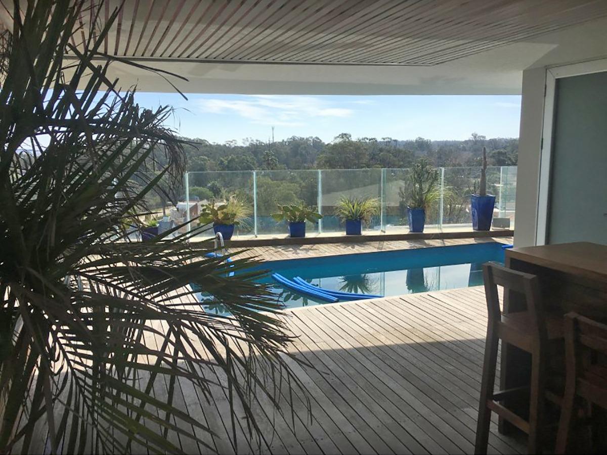 penthouse con piscina propia en la barra ref. 6912