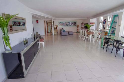 penthouse de 4 habitaciones con vista al mar caribe