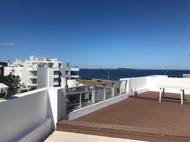 penthouse duplex frente al mar. parada 37 de la mansa