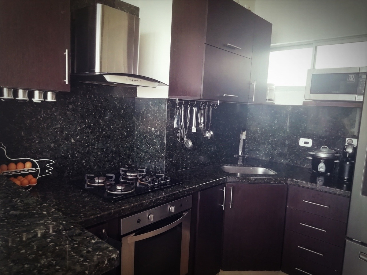 penthouse duplex recién remodelado, 3 habitaciones, 3 baños