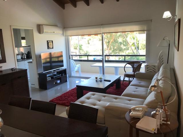 penthouse en playa mansa, 3 dorm + serv. parrillero. garaje