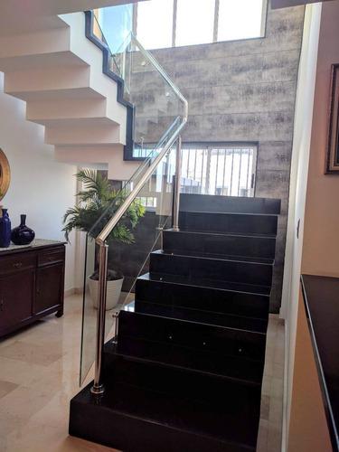 penthouse en venta en el millon. excelente ubicacion