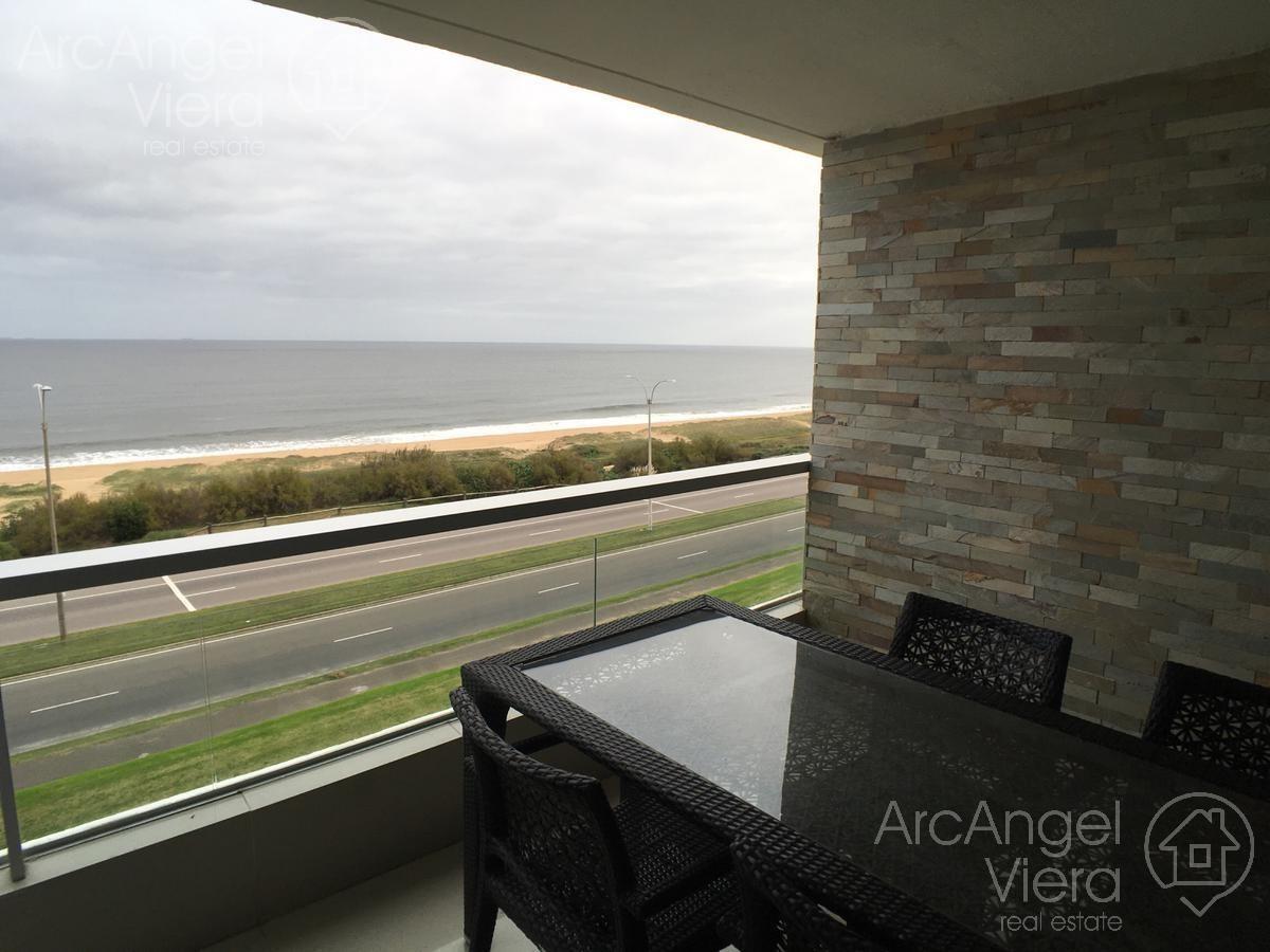 penthouse   frente al mar en alquiler anual   venta en punta del este , playa mansa
