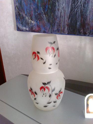 pequeño botellon con su vasito