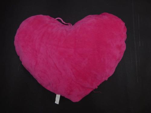 pequeño corazon de peluche con frase romantica
