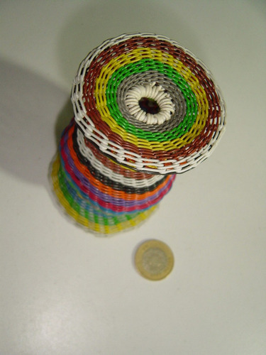 pequeño florero tejido con alambre 12 cm artesanía