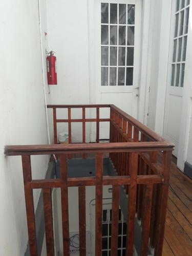 pequeño local en tercer piso