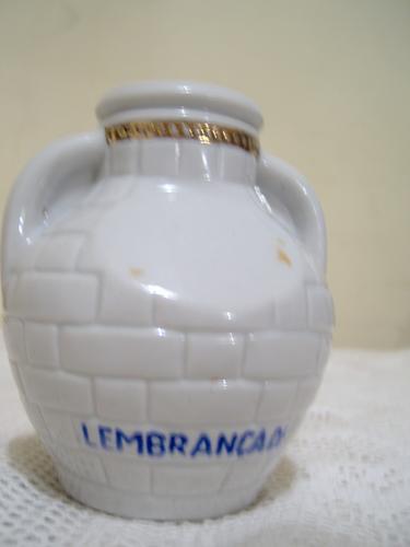 pequeño porron de porcelana industria brasilera