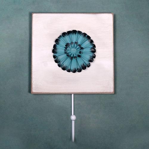 perchero cuadrado con flor turquesa 19x12x1 cm