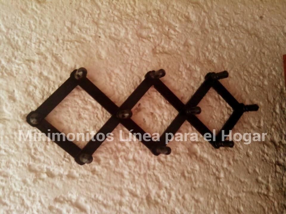 perchero de madera color chocolate decorativo pared