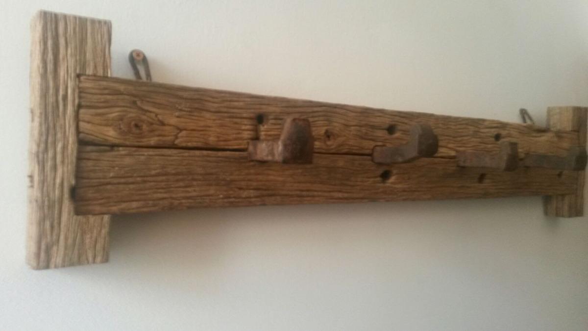 Perchero rustico artesanal madera de piques y clavos de - Clavos para pared ...