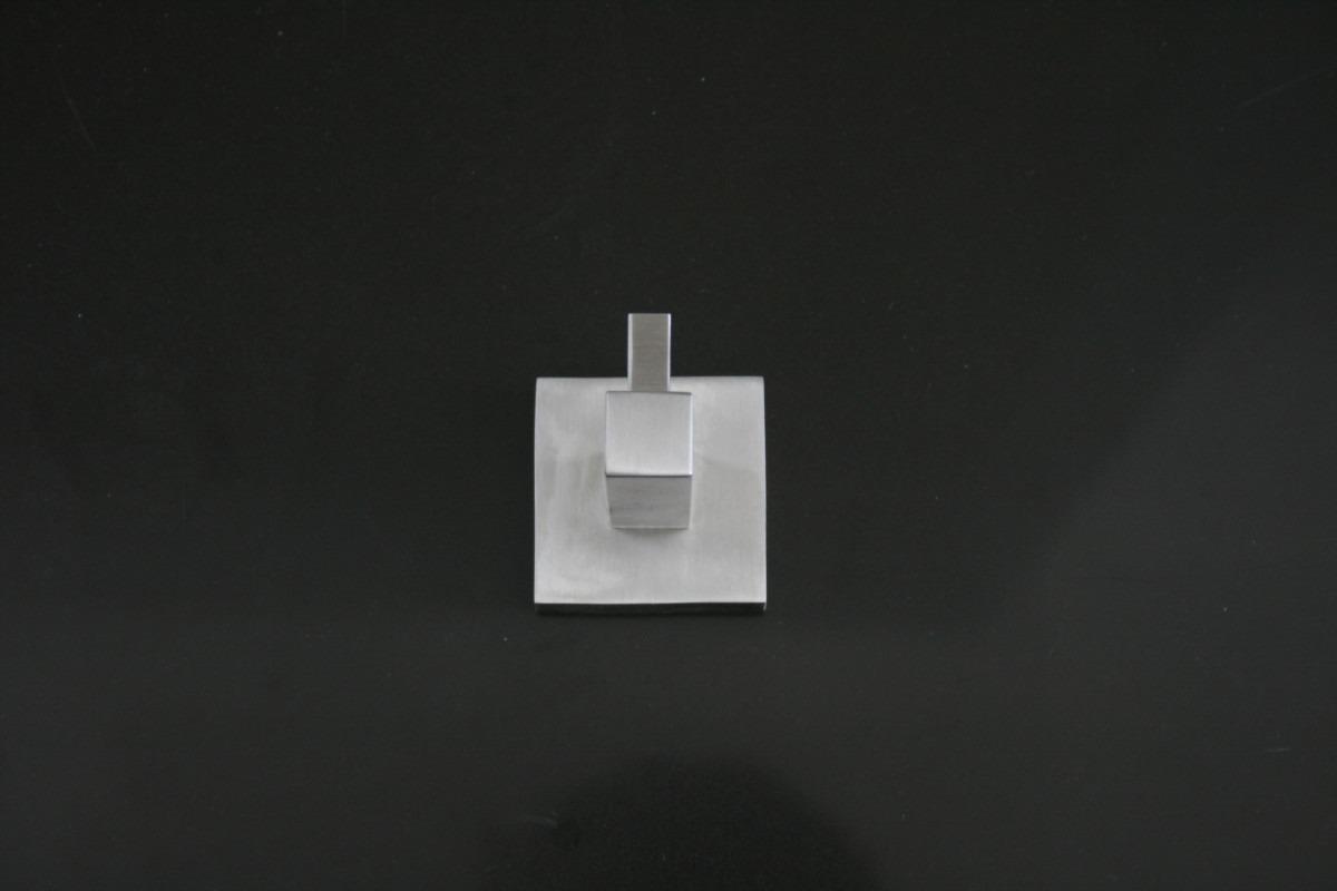 Percheros modernos acero inox decoracion minimalista for Percheros de acero inoxidable