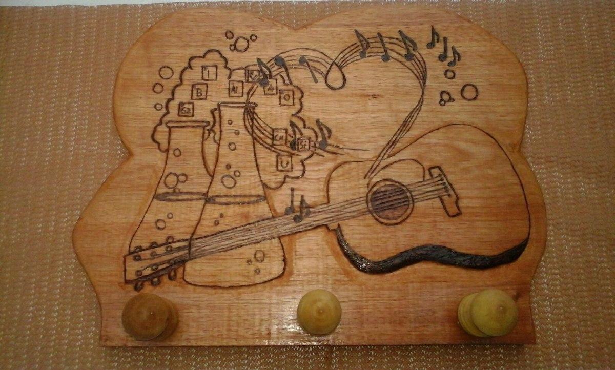 Percheros tem ticos tallados en madera en - Percheros en madera ...