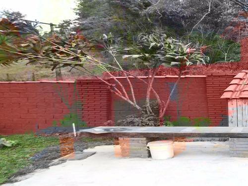 perfeito p/ moradia chácara com 2 piscina e casa de madeira