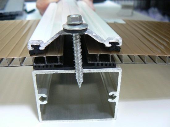Perfil Trap 233 Zio Em Aluminio Barra Com 6 0m Gaxetinha