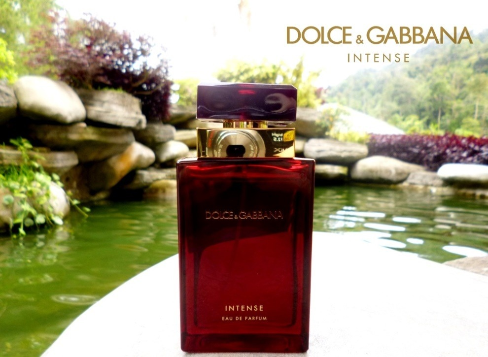 perfume dolce gabbana femme intense edp 100ml + amostrinha! Carregando zoom. 65ff4eeb9fc