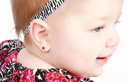 perfuração em orelha