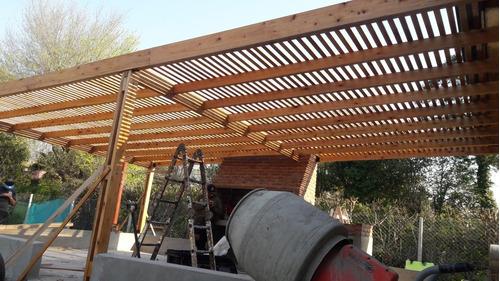 pergola de madera dura con chapa anti granizo