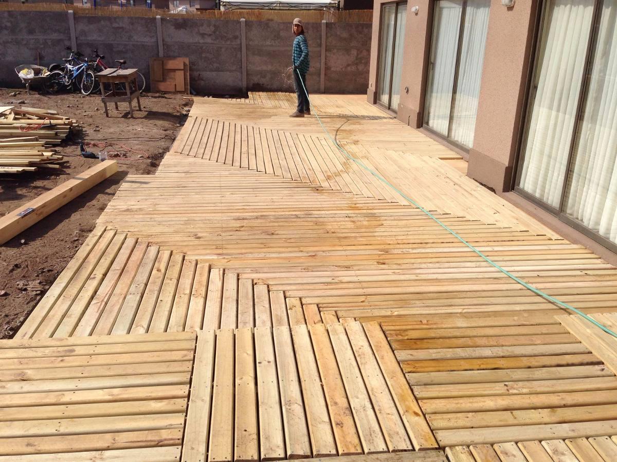 Pergolas toldos deck madera pisos de madera piso flotante for Pisos de bar madera
